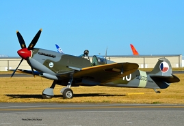Photo of a Supermarine Spitfire IX at Paine Field. The aircraft registration is N633VS