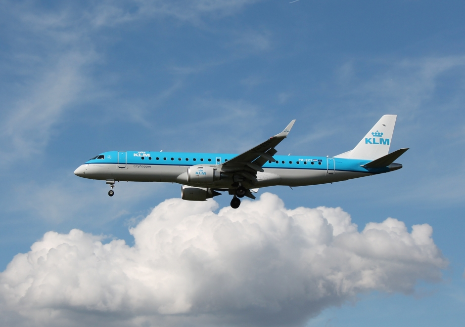KLM Embraer 195 PH-EZT Bologna Italy BLQ LIPE aircraft picture