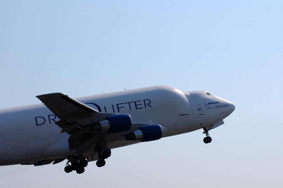 Atlas Air Boeing 747-400LCF Dreamlifter airplane picture