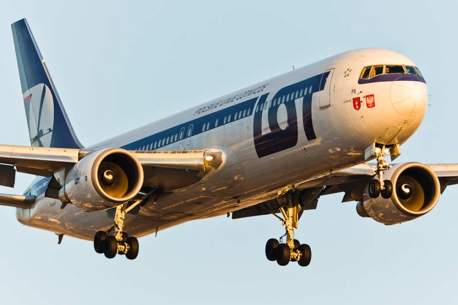 LOT Polish Airlines Boeing 767-300 plane picture