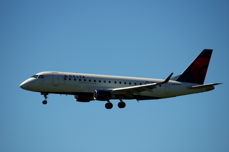 Compass Airlines Embraer E175 jet airplane